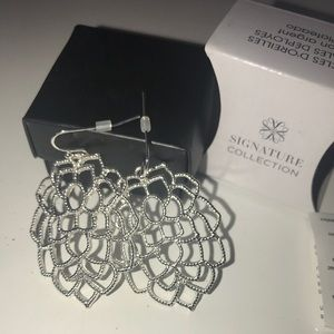 FREE with purchase!! Avon Signature Earrings